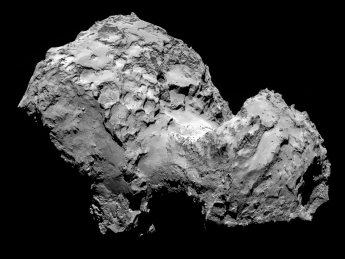 Image of comet 67P/Churyumov-Gerasimenko by Rosetta´s OSIRIS narrow-angle camera on 3 August from a distance of 285 km.
